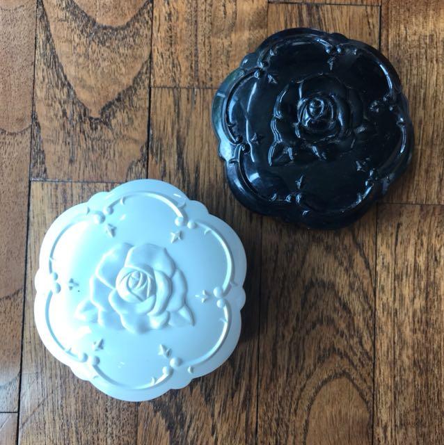 Anna Sui compact cover case