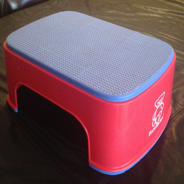 Baby Bjorn step / stool. Red/blue. Excellent condition. RRP$35