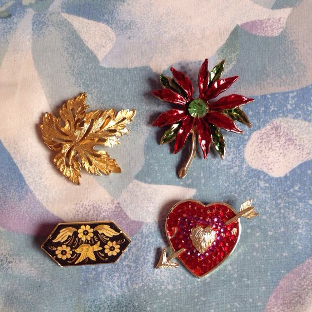 brooch take all for 200