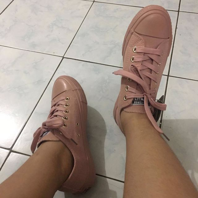 Converse Pink Suede (Nude Collection)