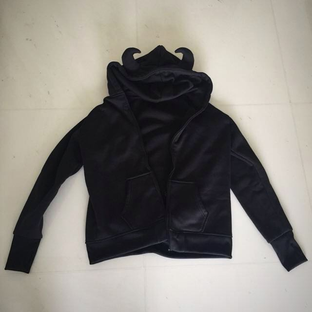 Devil horn black hoodie with pockets