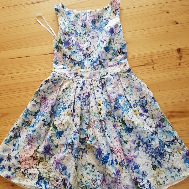Forever new floral dress size 10