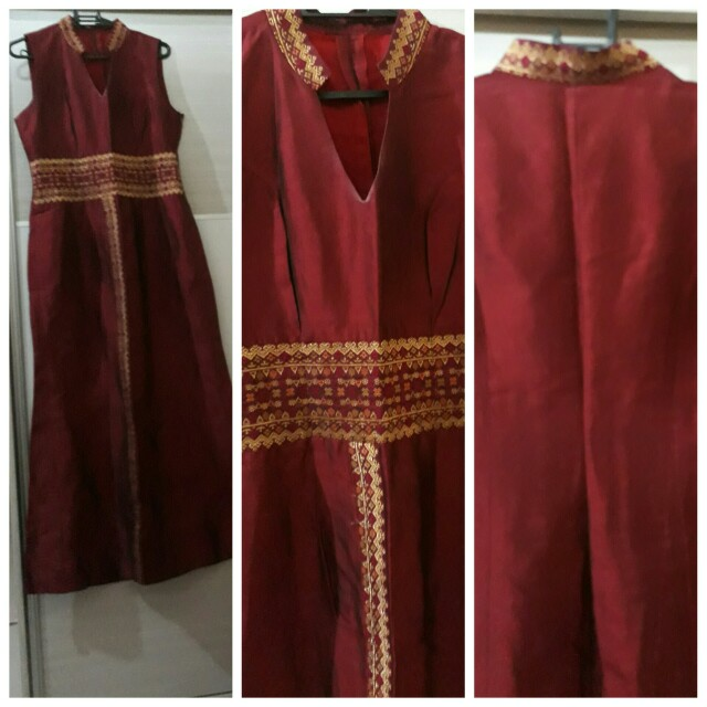 Formal Gown Sleeveless Maroon