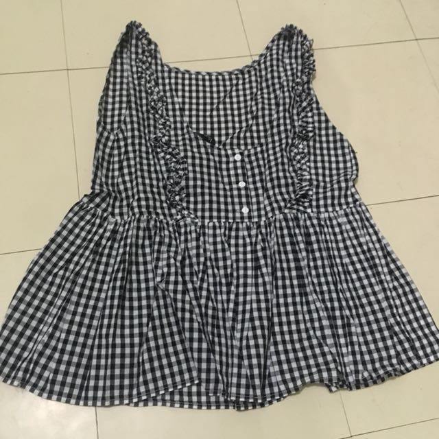 Gingham Sleeveless Blouse