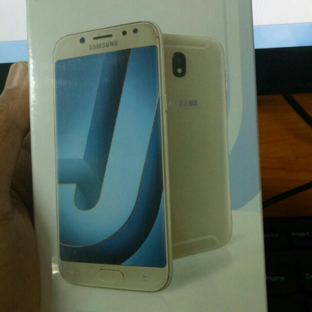Samsung Galaxy J7 Pro Telepon Seluler Tablet Ponsel Android Di Carousell