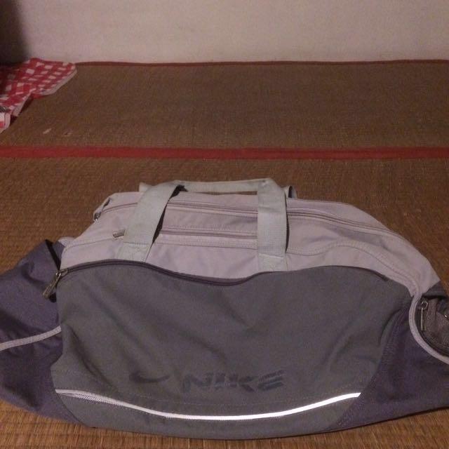 Nike 包