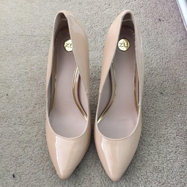 Nude Shoe Heel