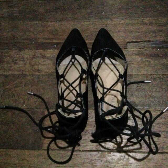 Parisian Lace Up Black Shoes