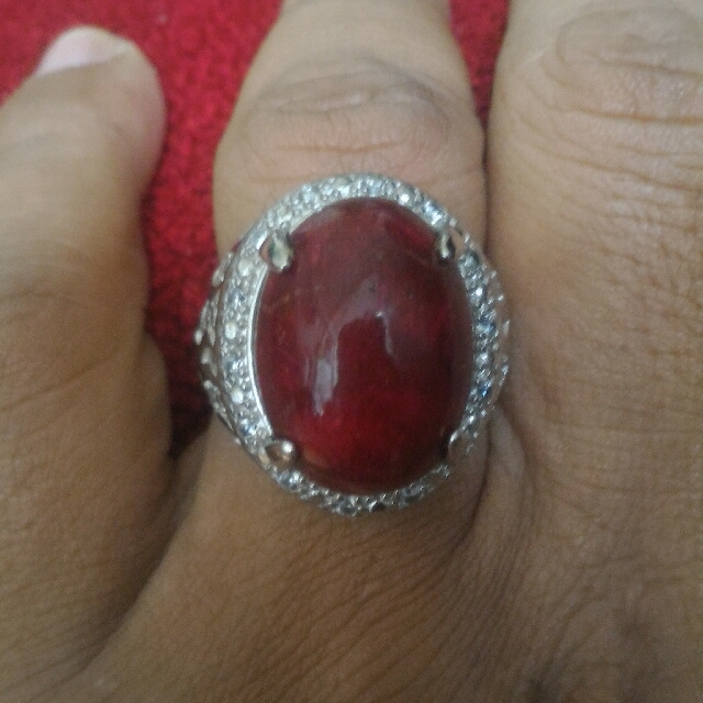 Size 24 Red Coral/marjan, Vintage & Collectibles, Vintage Watches & Jewelry on Carousell