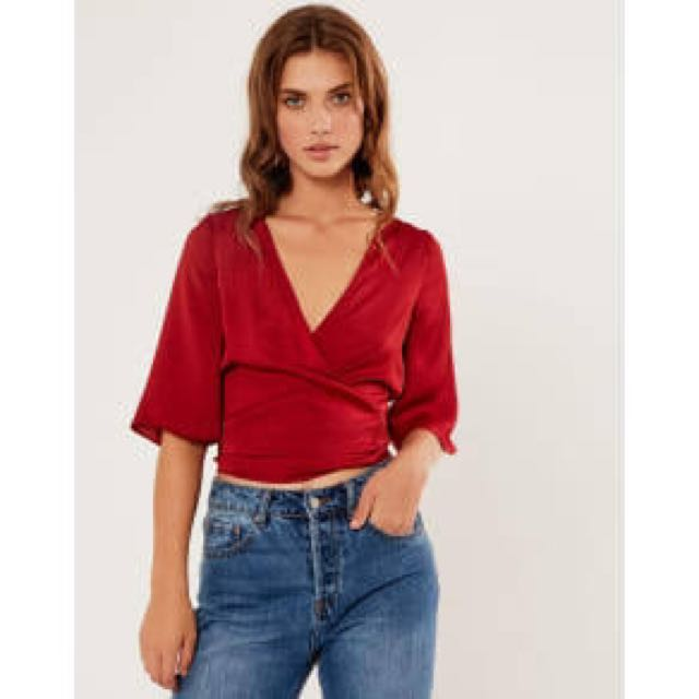 147ef6f4c42dc0 Red silk wrap top size 6