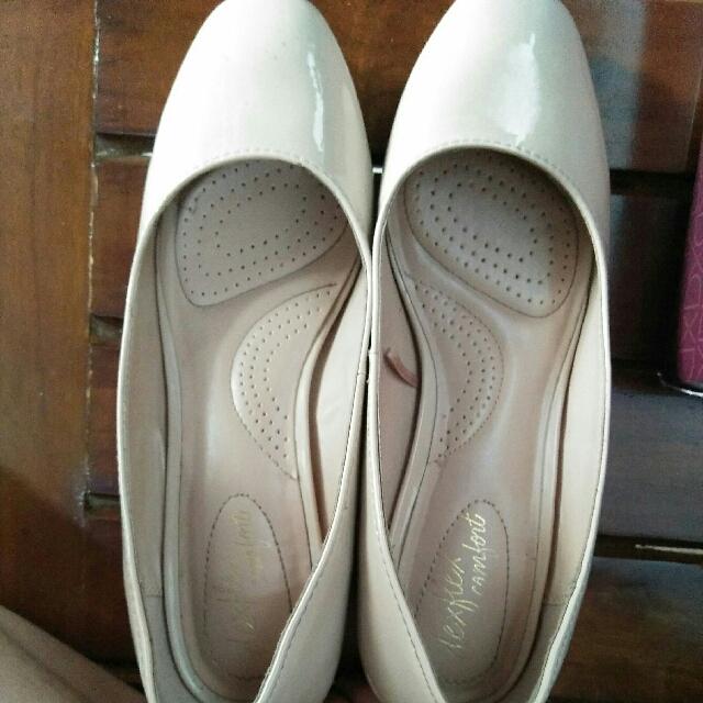 Sepatu Deflex Payless