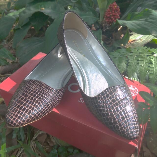 Sepatu fladeo snake