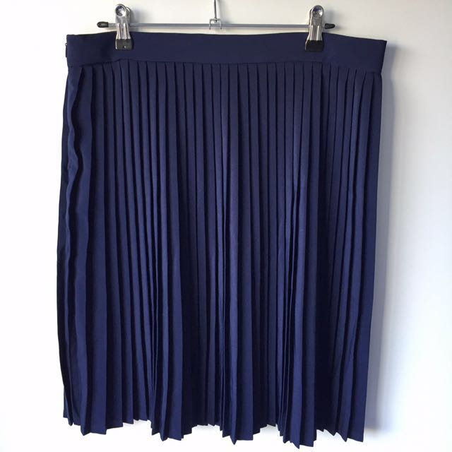 Size L Pleated Skirt