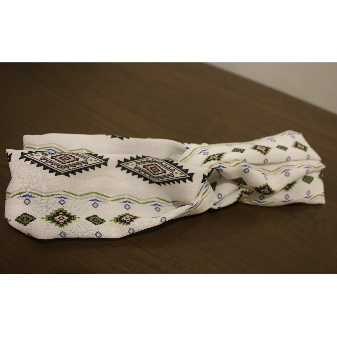 Twisted Bow Headband (White)