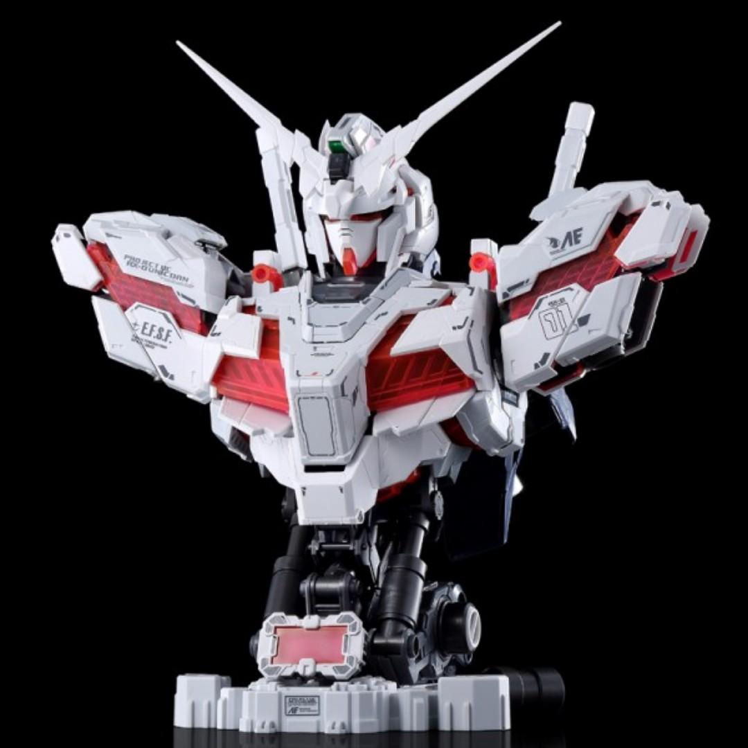 Yihui 1/35 Unicorn Gundam Bust (Red PS)