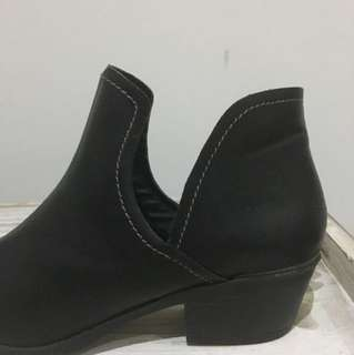 Size 8 pointed boots