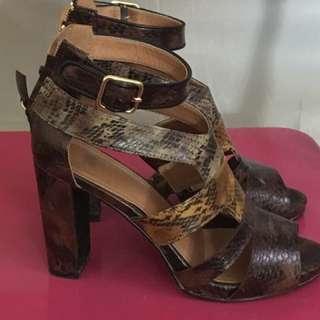 Heels... size 37