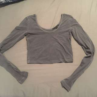 UO long sleeve cropped top