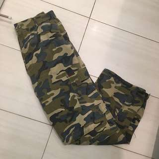 Vintage camo pants