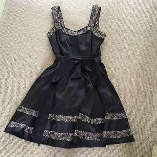 Review Formal Dress