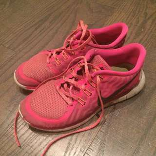 Nike frees 5.0 size 8 US pink