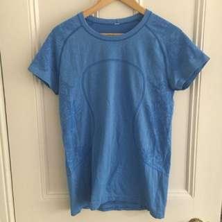 Lululemon size 10 T-shirt