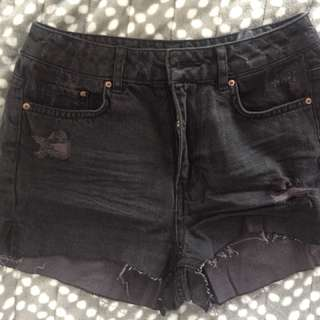 H&M - Black Shorts