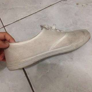 H&M White Shoes Look a Like