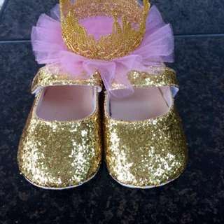 Gold shoes and crown