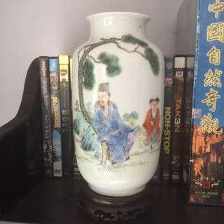 洪憲年制.粉彩王羲之爱鹅图冬瓜瓶.高20cm.