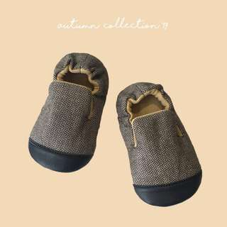 SAM - handmade baby shoes