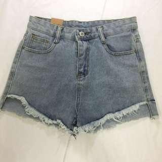 [全館98元 求出清 換現金] 全新淺色顯瘦前短後長牛仔短褲