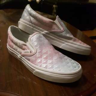 Slip On Vans Rainbow Geometric size 7