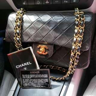 "Vintage 9"" chanel classic flap"