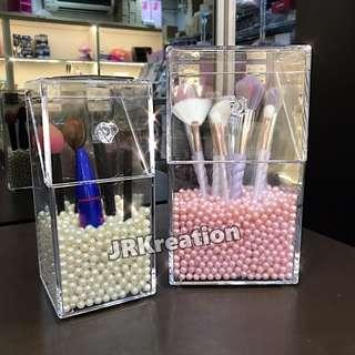 Acrylic Make Up brushes holder with diamond knob