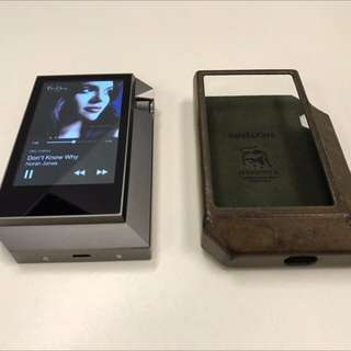 Astell&Kern AK240 with cover *mint condition* Free Docking station
