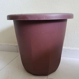Flower pot height 35cm / diameter 38cm  ( 5 for $10.00 ) **FREE DELIVERY to your door step