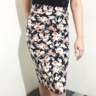 Forever 21 floral knee length skirt