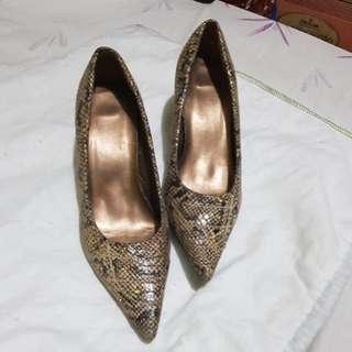 Snakeskin Shoes Size 6