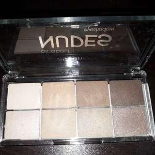 Essence Nudes Eyeshadow