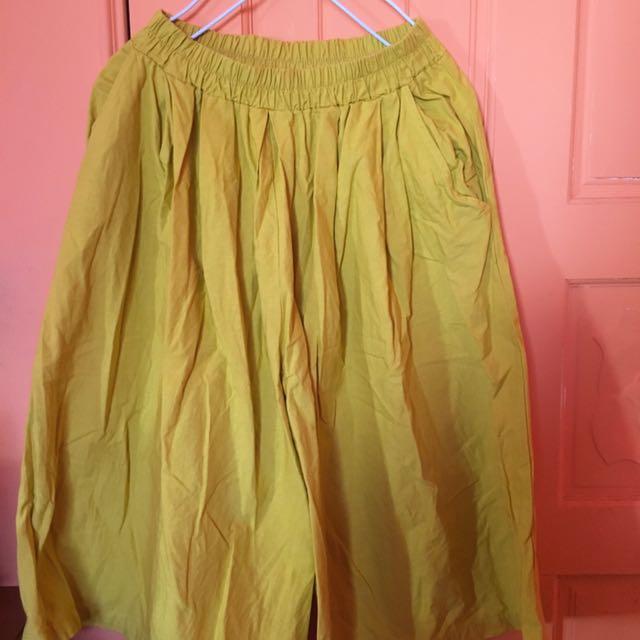 黃色七分寬褲