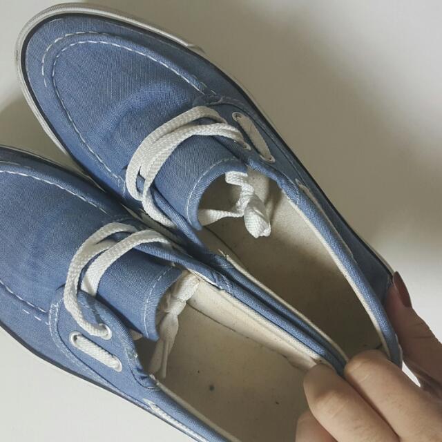 低筒休閒鞋