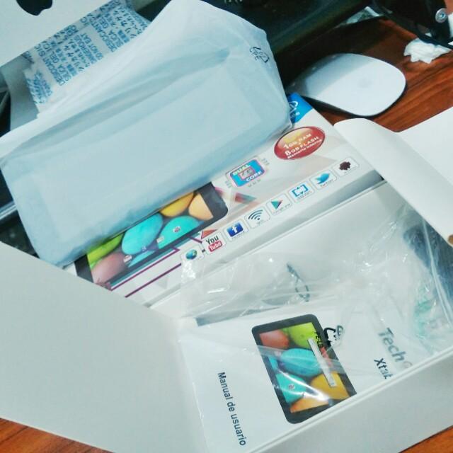 七吋智慧型平板 功能正常盒裝齊全