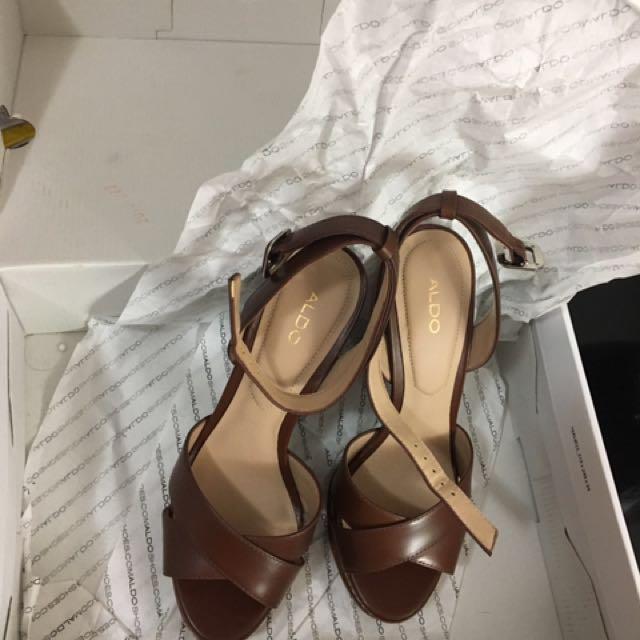 Aldo brown heels.... size 37
