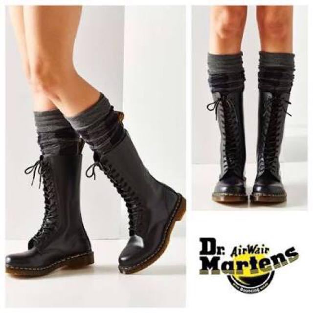 Aunthentic dr. Martens boots(freesf)