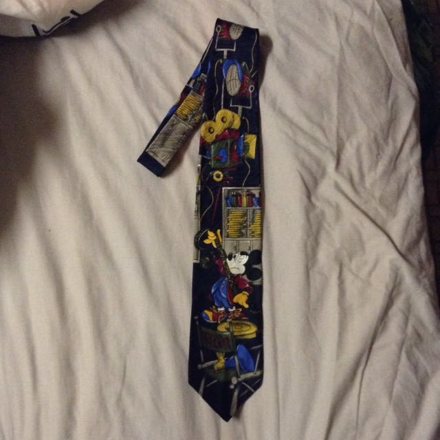 Authentic licensed Disney Micky & co collectible neck tie