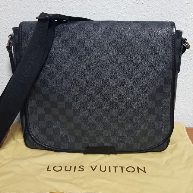 62a4a76485b53 Preloved Authentic Louis Vuitton LV Damier Graphite Canvas Daniel MM ...