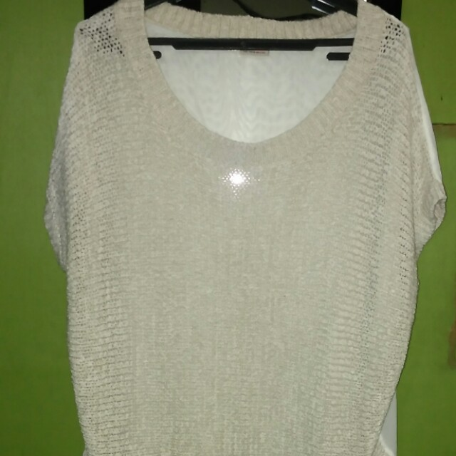 Beige knitted blouse