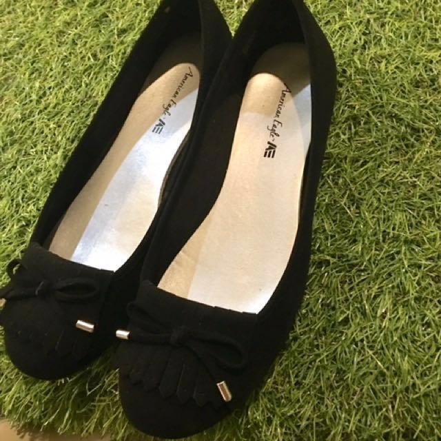 Black shoes size 38 ( DIPAKAI HANYA 1 x ) like new
