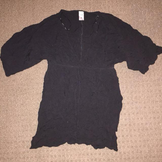 Black size medium top